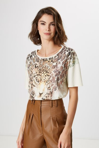 a2088387f T-Shirt Feminina  T-Shirt Estilosa